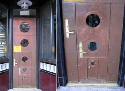 a97247_g169_2-alice-door