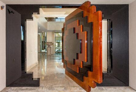 cool-door-geometrical-wood-pattern
