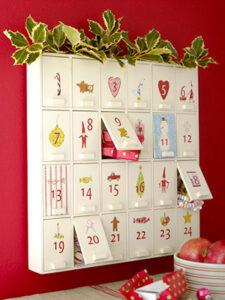 la idea de este calendario es ir poniendo regalos dentro de los das es ideal para febrero diciembre o el mes de cumpleaos de una persona muy especial